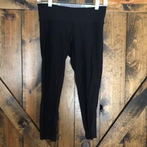 Lululemon reversible cropped leggings!